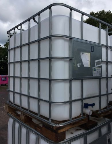 1000 Litre, Clear HDPE, IBC Bulk Containers, Square Bars, Wooden Base